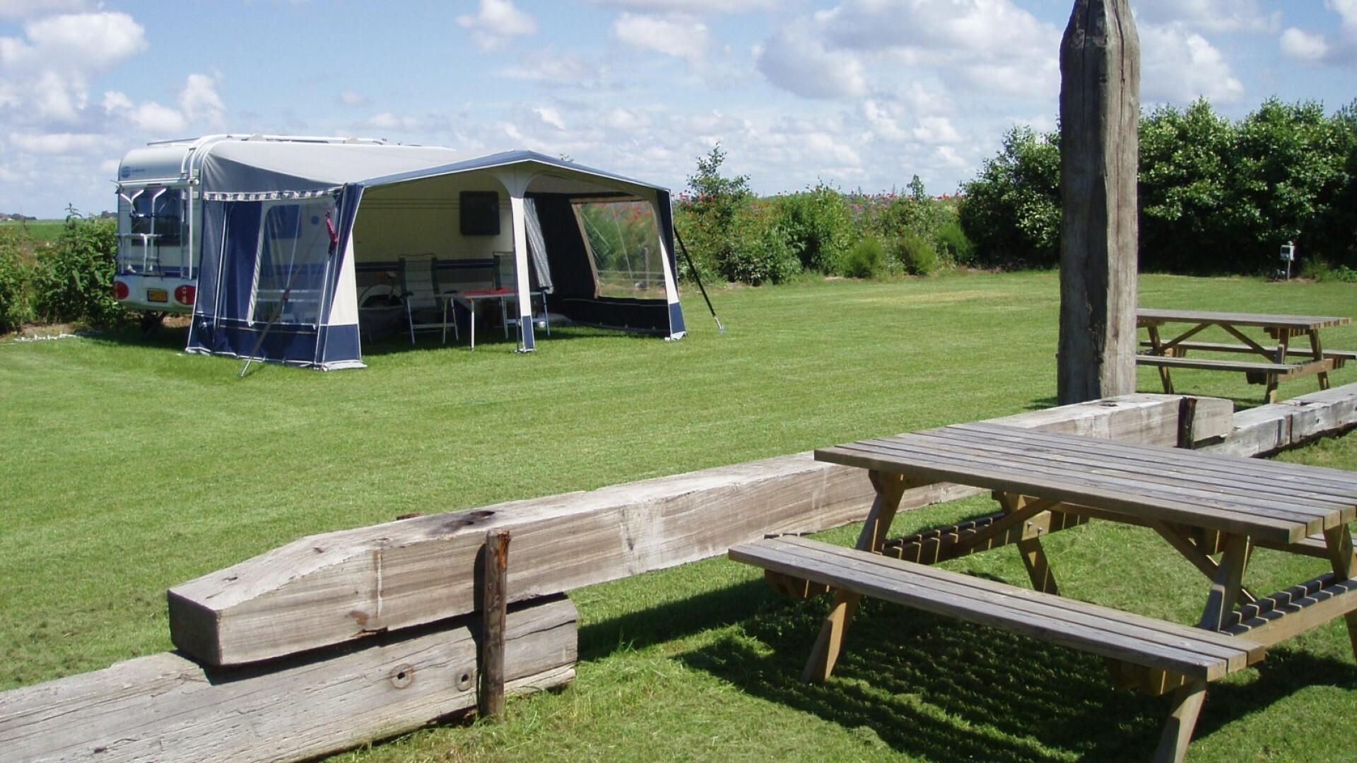 Camping Hoeve Nieuw Breda met overdekt zwembad VVV Texel