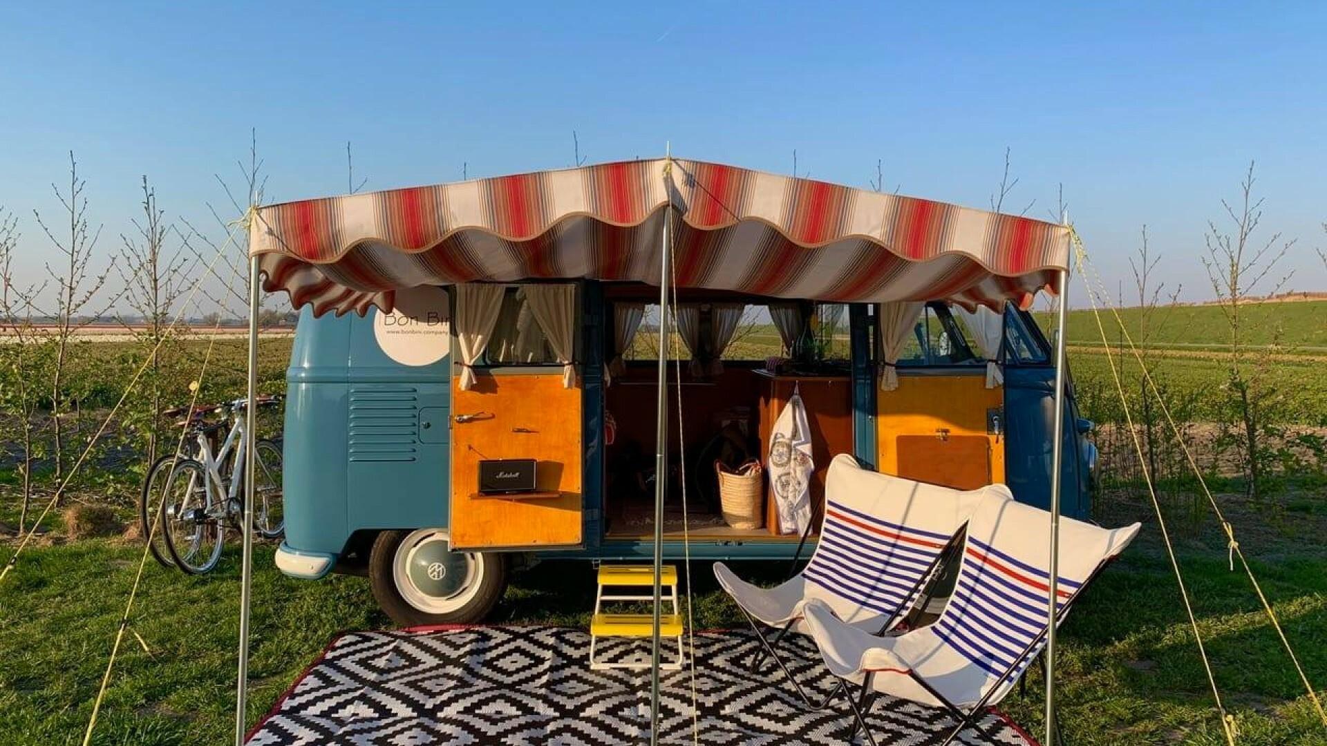 Camperbus op minicamping De Terp VVV Texel