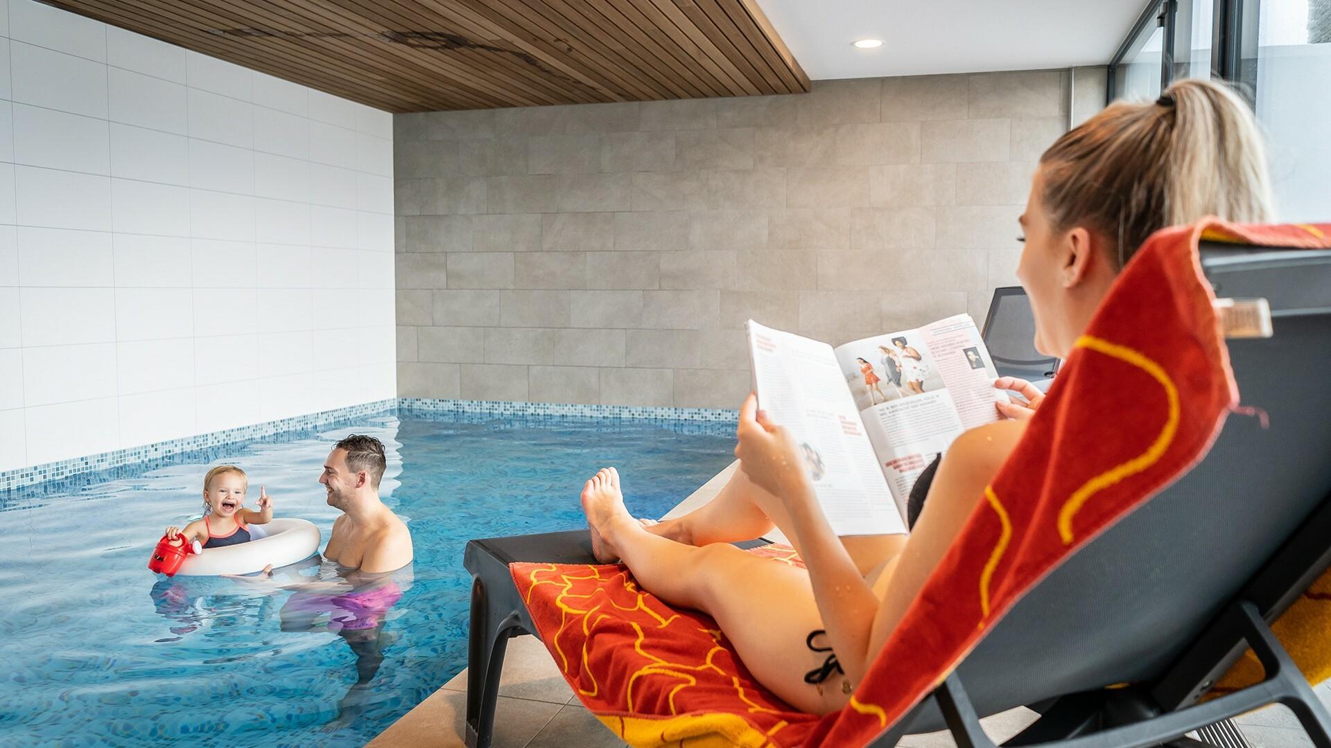Met gezin vakantie vieren in vakantievilla met zwemad VVV Texel
