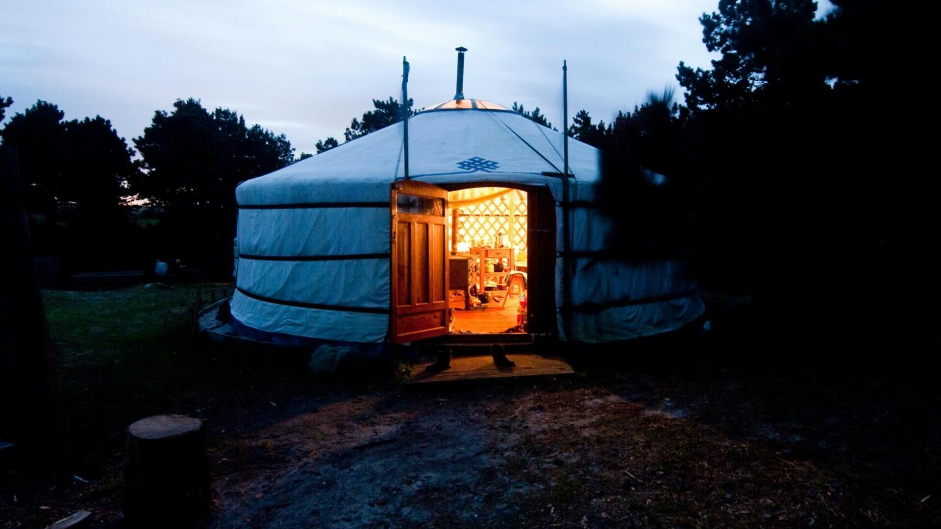 Yurt in de avond Den Hoorn VVV Texel