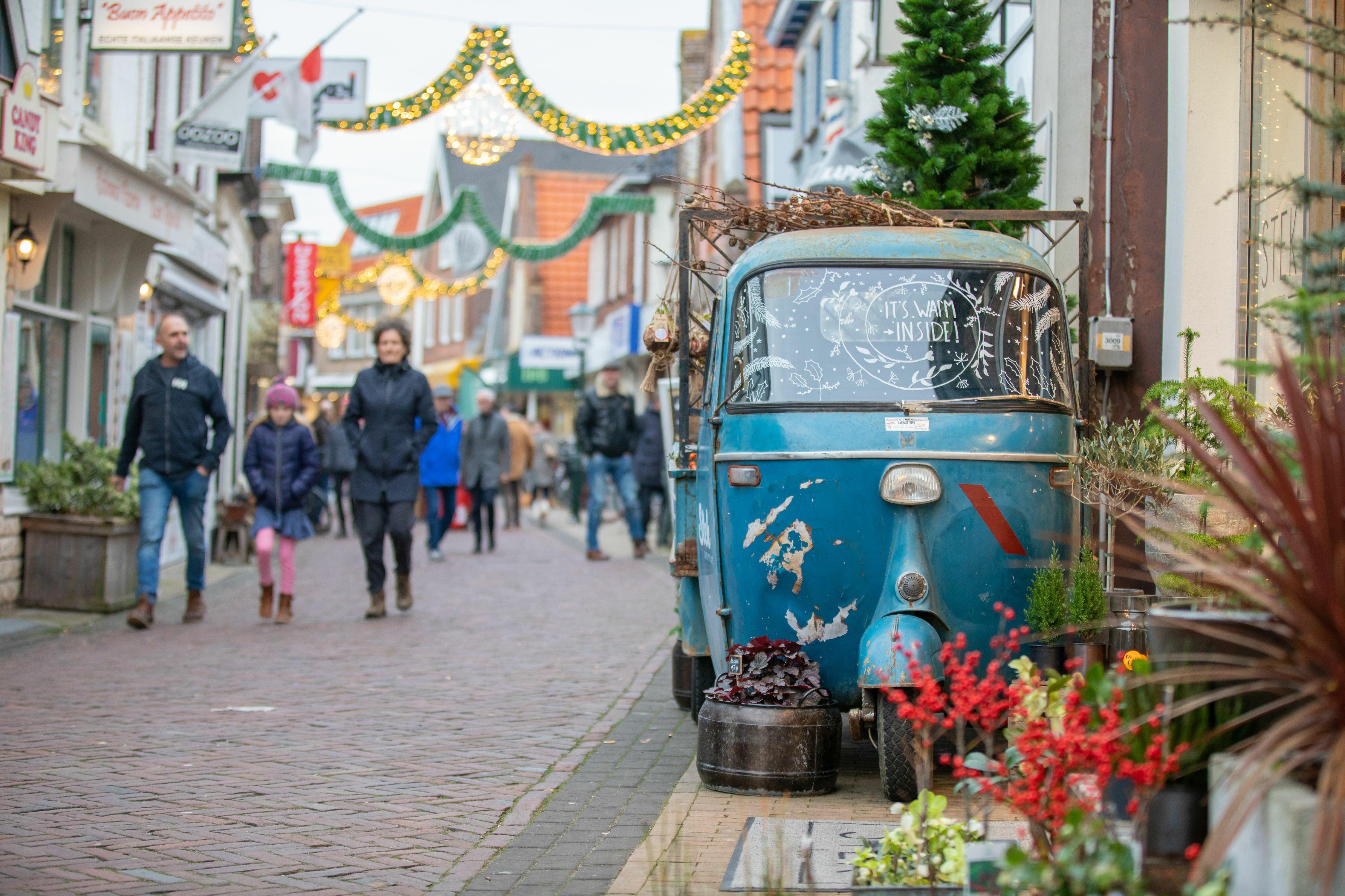 Kerstversiering in Den Burg fotograaf Evalien Weterings VVV Texel