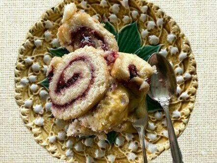 Opgerolde cake met Texelse vruchtenjam VVV Texel fotograaf Annette van Ruitenburg 2