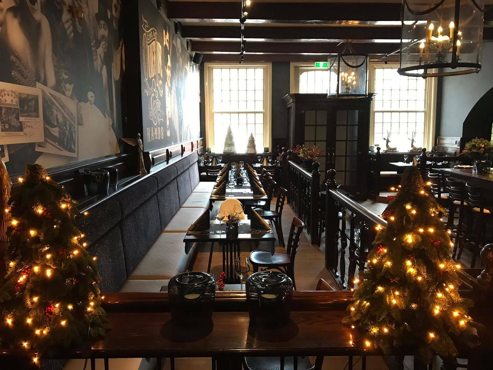 Kerstversiering bij restaurant Hotel de Lindeboom VVV Texel