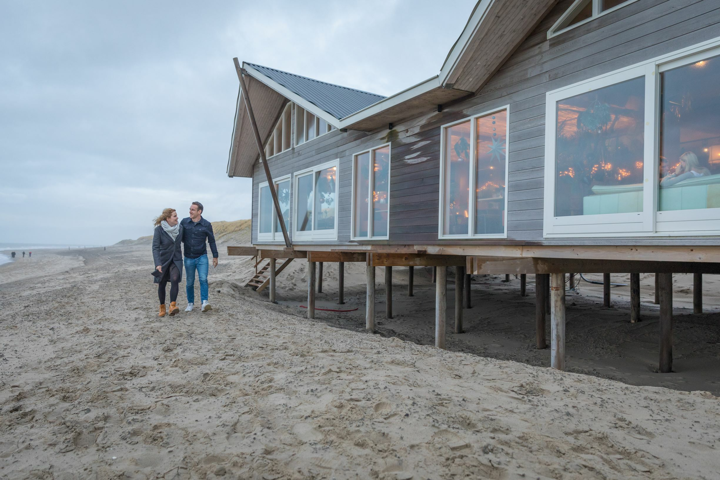 Strandpaviljoen geopend in de winter VVV Texel fotograaf Evalien Weterings