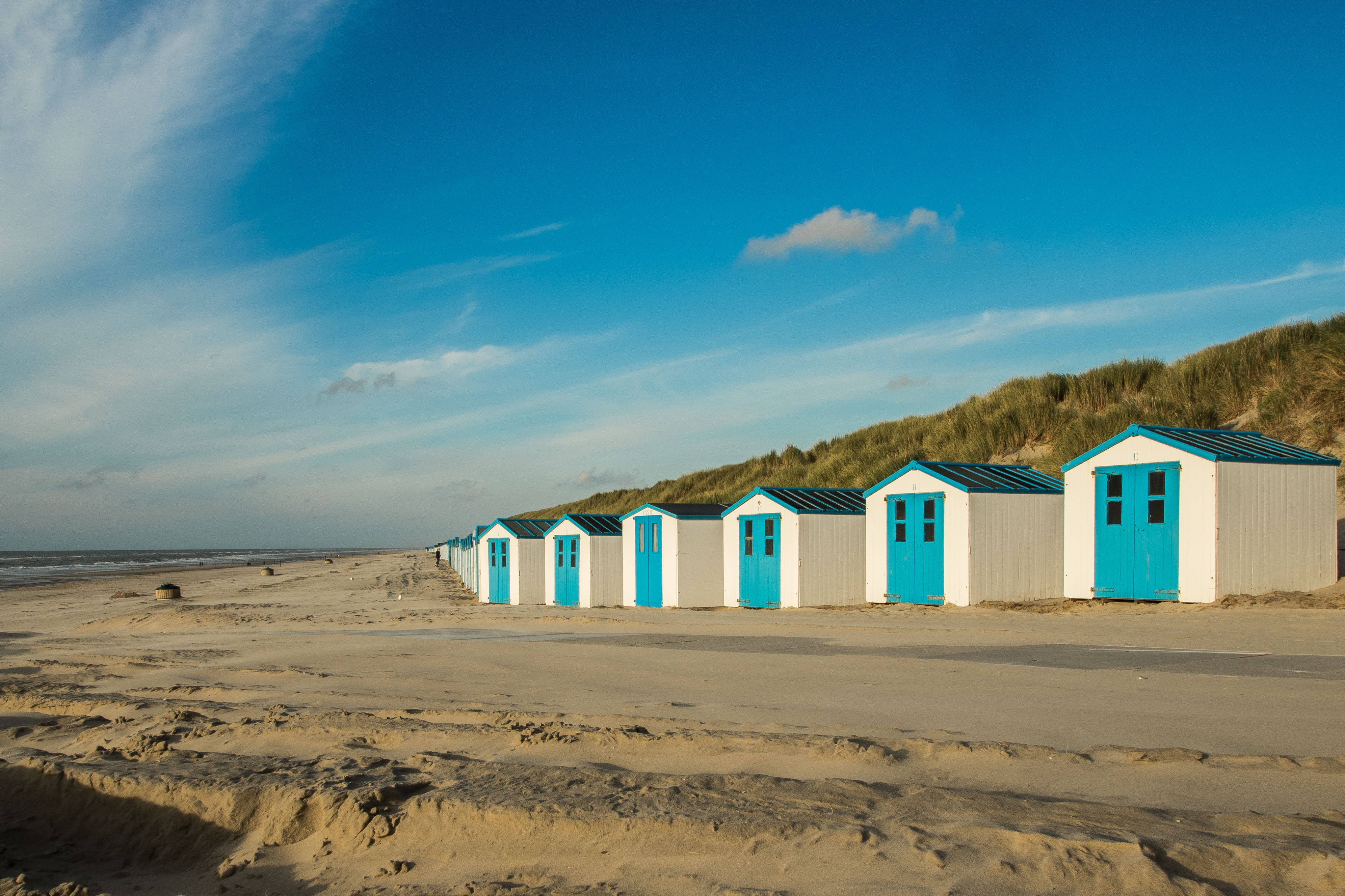 Strandhuisjes bij De Koog VVV Texel fotograaf Charles van Veen
