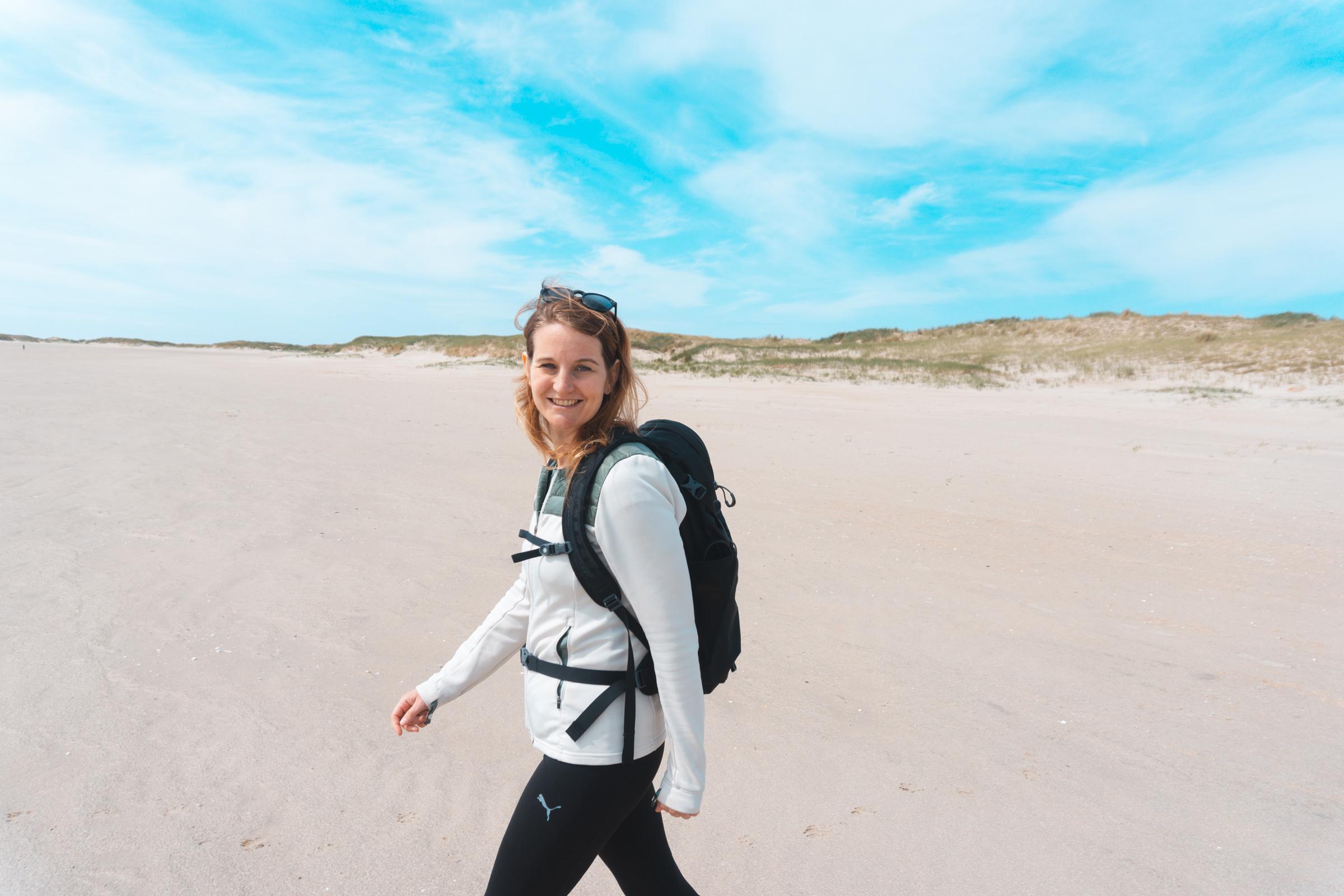 Wandelen op het strand VVV Texel fotograaf Kaz Paul van The Hike
