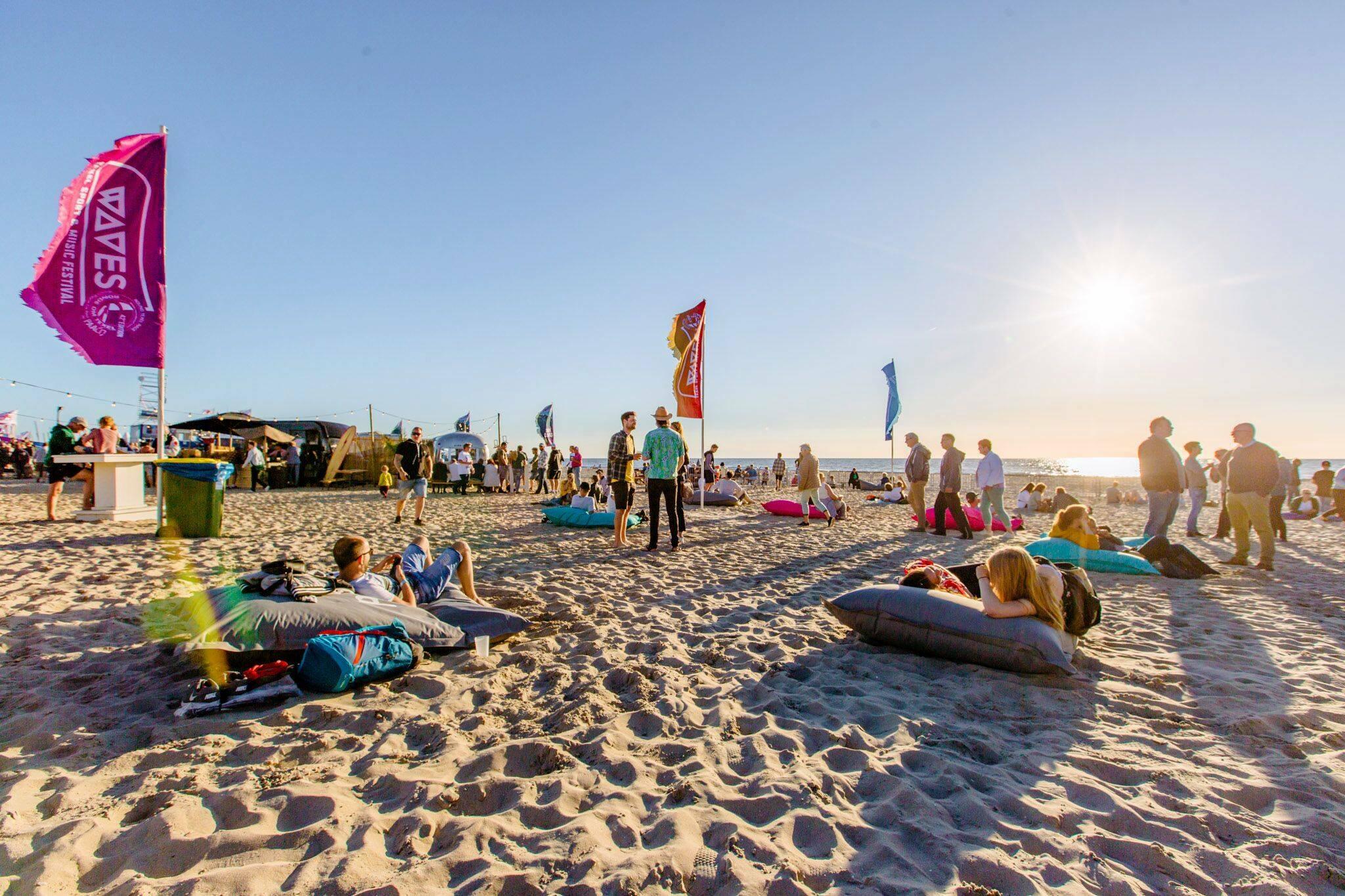 Festival WAVES op het Texelse strand VVV Texel