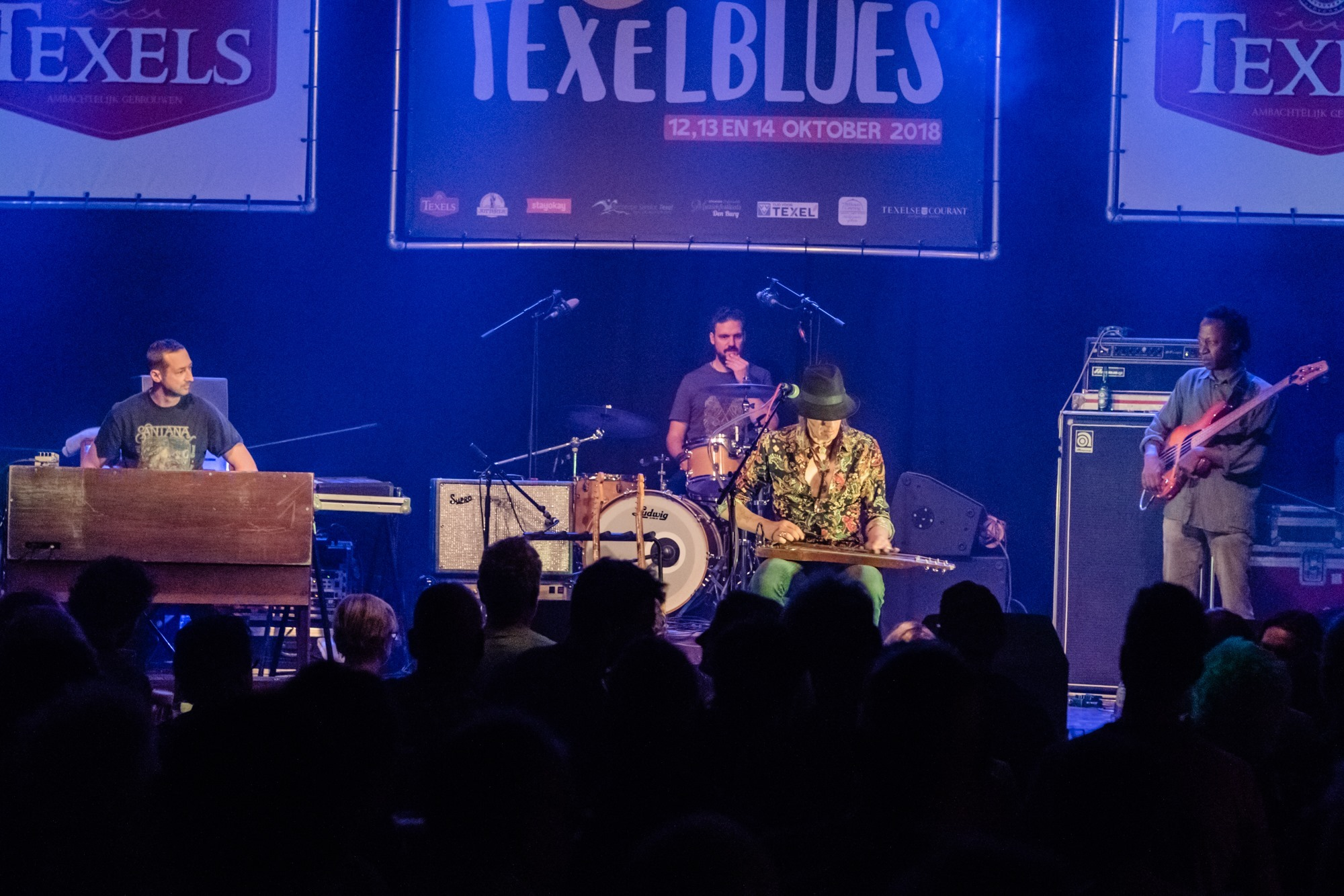 Opteden band tijdens Texelblues festival VVV Texel